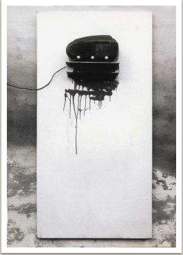 Akustický obraz, 1963-64, různé materiály na sololitu, nitro, 150x70 cm